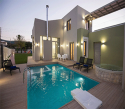 Welcome to our Sports Villa!- 3 bedrooms, 2 bathrooms, pool, gym, jacuzzi and sauna- max 7 guests